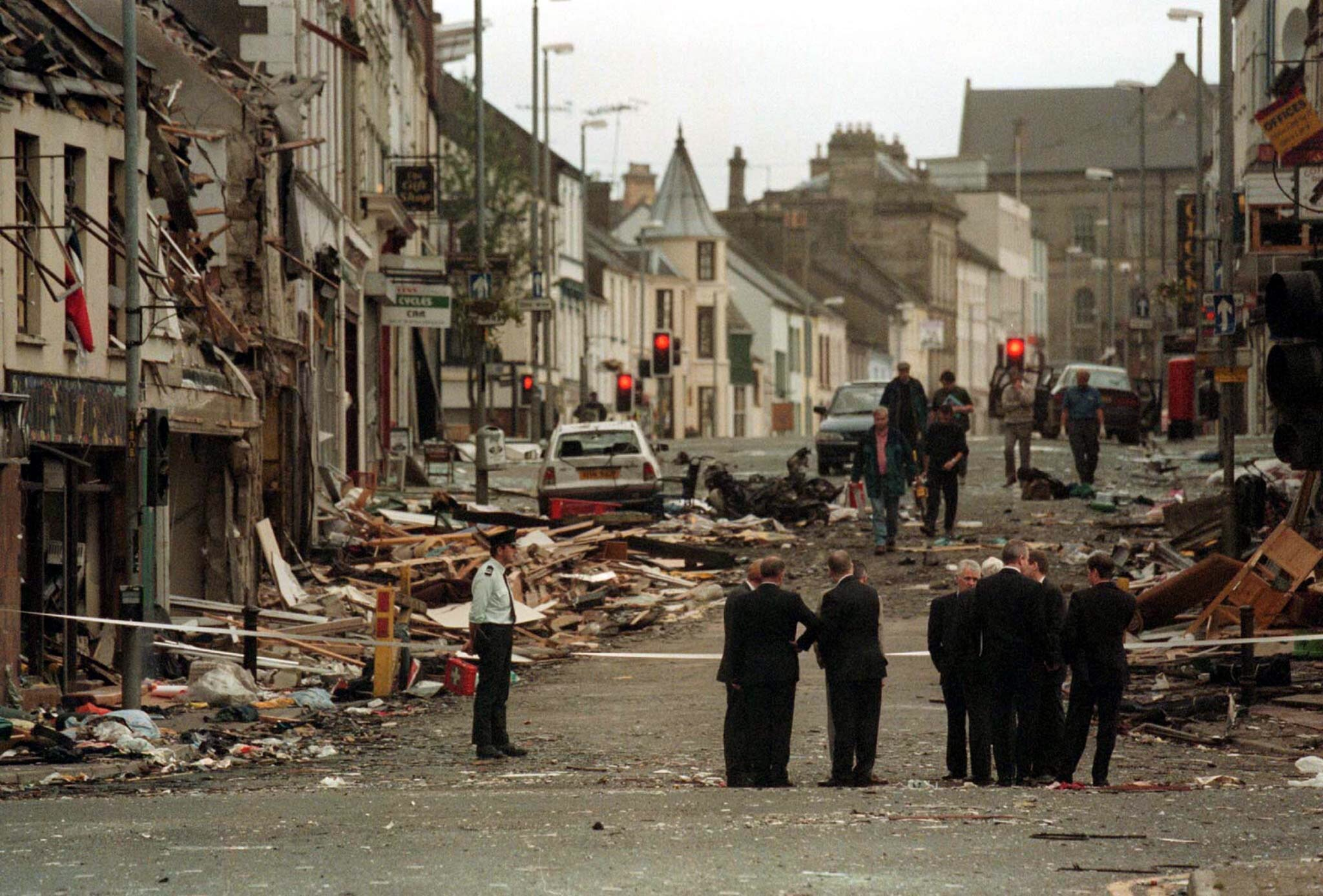 IRA APOLOGISES TO FAMILIES OF CIBVILAN CASUALTIES.
